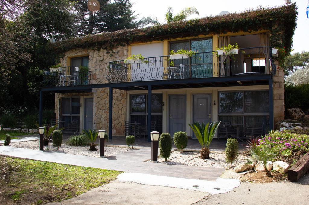מלון אחוזת אסיינדה ביער - מלו ןספא בגליל המערבי   עינבר שחק