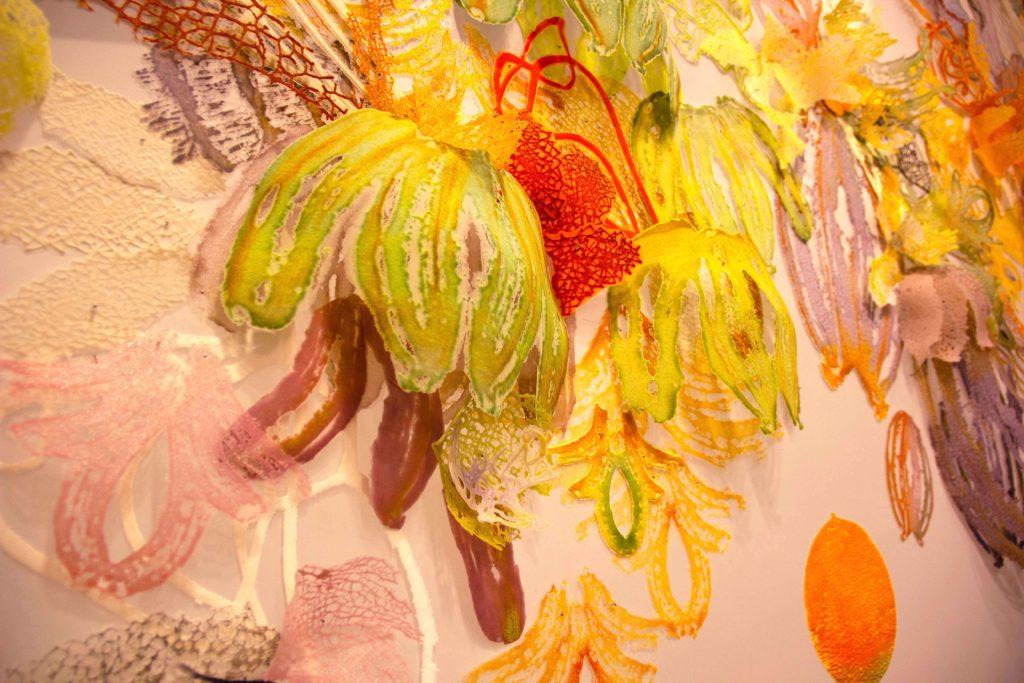 ציור קיר בזכוכית של סיון פאיס, מהמחלקה לעיצוב קרמי וזכוכית של בצלאל